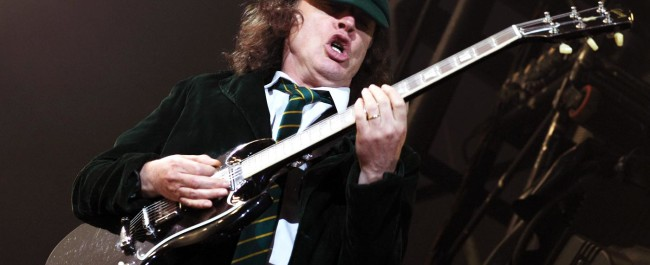 ac-dc-angus-young